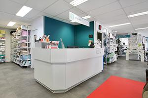 Bastide le Confort Médical Soissons banque accueil intérieur magasin